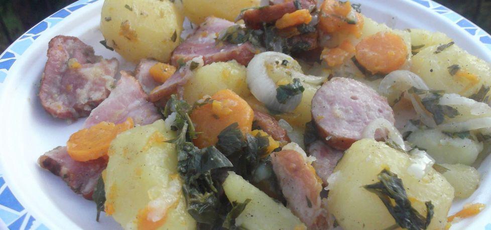 Pieczone ziemniaki w garnku żeliwnym (autor: waclaw ...