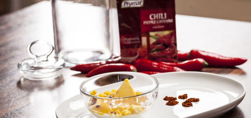 Życie od kuchni: deser jogurtowy z musem z mango i chili (autor ...