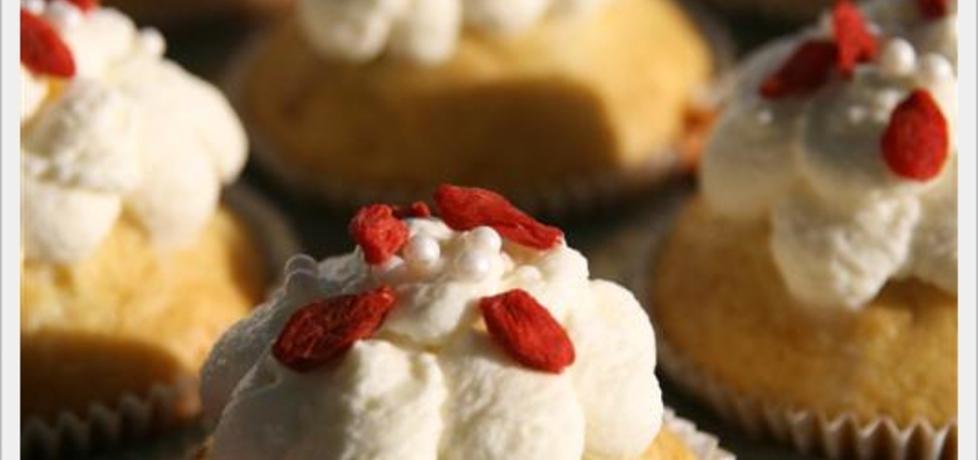 Muffiny z owocami goji (autor: russkaya)