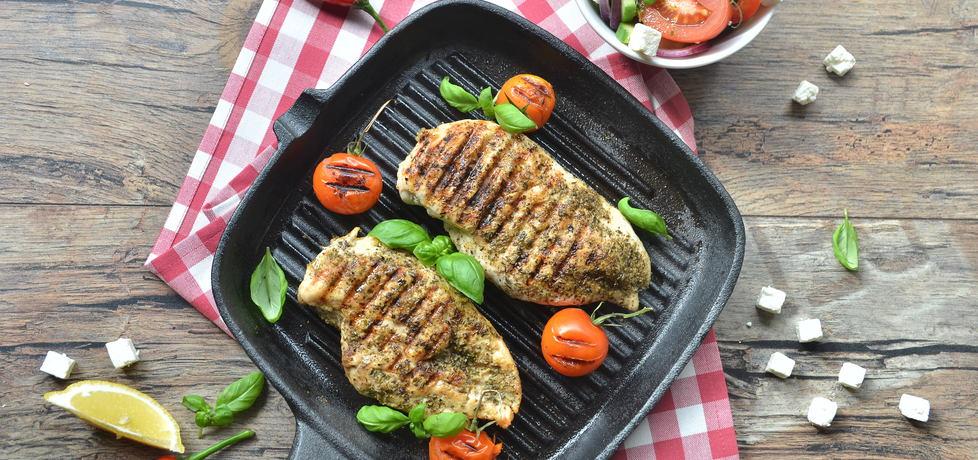Grillowane piersi z kurczaka z sałatką grecką (autor: doradca