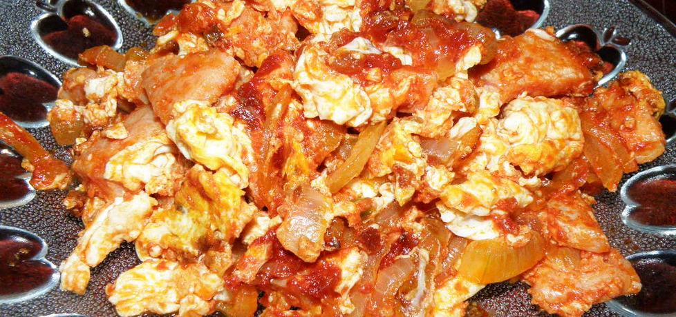 Jajecznica pomidorowa z cebulą (autor: habibi)
