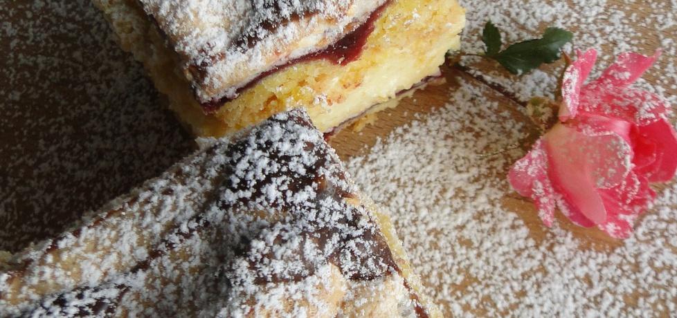 Ciasto z bezą, konfiturą porzeczkową i kremem mango (autor ...