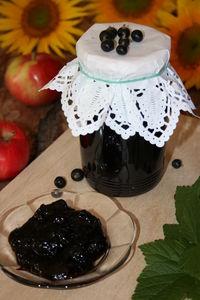 Dżem z czarnej porzeczki z jabłkami