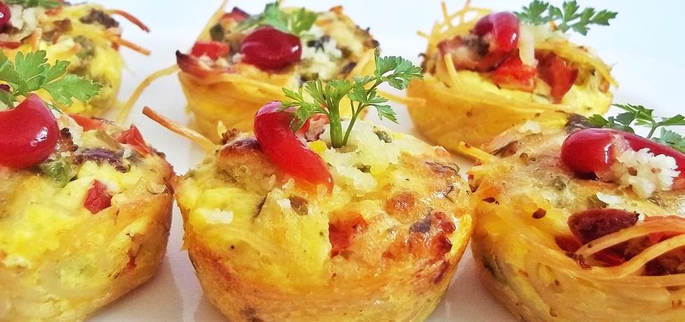 Makaronowe muffinki z szynką i warzywami (autor: ania84 ...