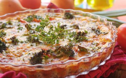 Mięsna zapiekanka z soczewicą i brokułami