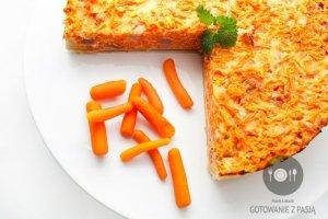 Wykwintna tarta marchewkowa z boczkiem