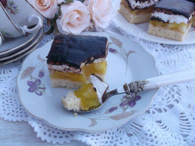 Przepis  ciasto z jabłkami, pianką i herbatnikami przepis