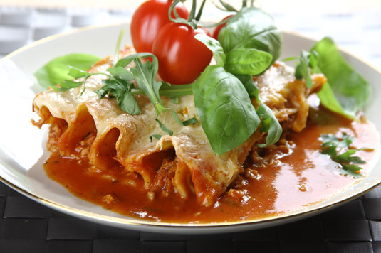 Włoskie cannelloni z mięsem