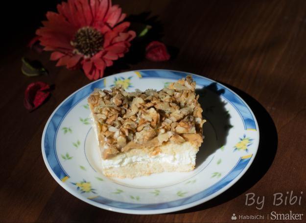 Karmelowo-orzechowe ciasto na biszkoptach