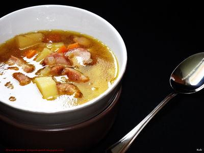 Zupa grochowa z ziemniakami i boczkiem