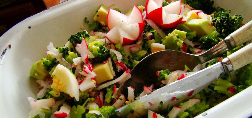 Wiosenna sałatka z brokuła,jajka i awokado (autor: iwa643 ...