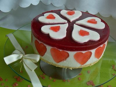 Walentynkowy sernik z musem malinowym