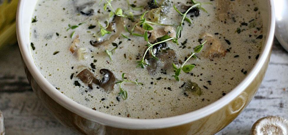 Zupa pieczarkowa z kurczakiem (autor: kuchnia