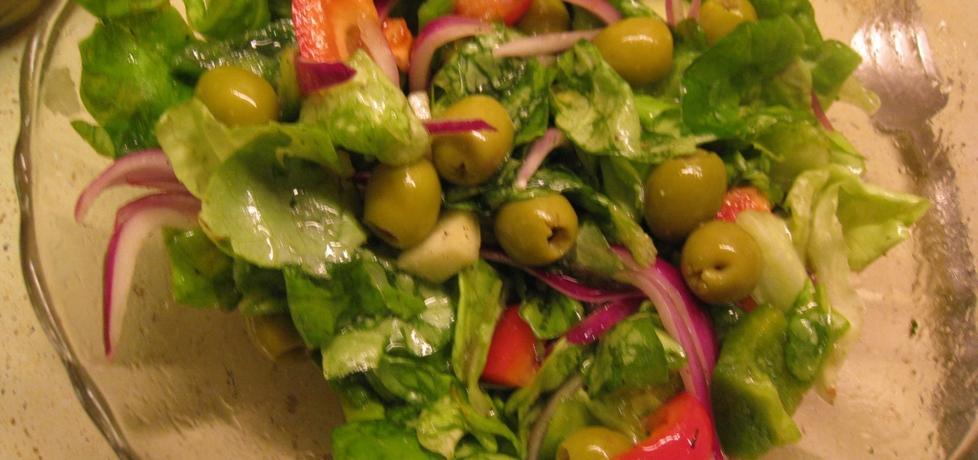 Sałatka z zielonymi oliwkami (autor: magda60)