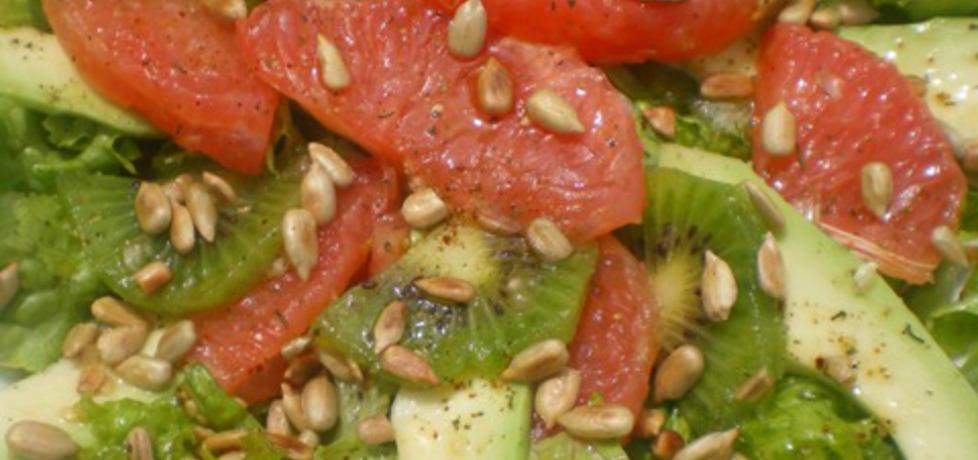 Sałatka z grapefruitem, awokado, kiwi, słonecznikiem (autor: ilka86 ...