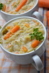 Zupa ogórkowa z soczewicą