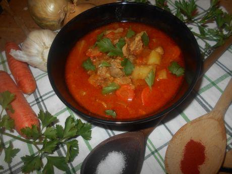 Przepis  zupa gulaszowa z szynką przepis