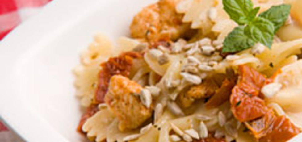 Sałatka z makaronem i suszonymi pomidorami (autor: kulinarny ...