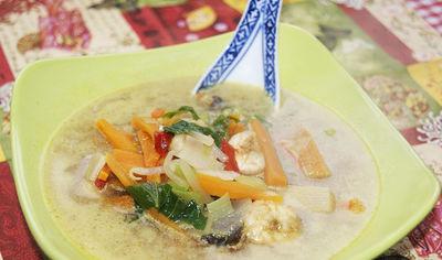 Zupa z krewetkami curry