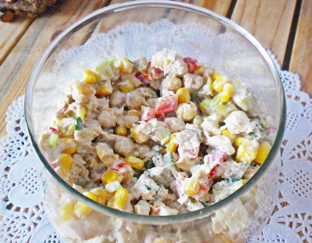 Przepis  sałatka z tuńczykiem i cieciorką przepis