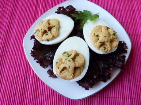 Przepis  jajka nadziewane pastą z żółtego sera przepis
