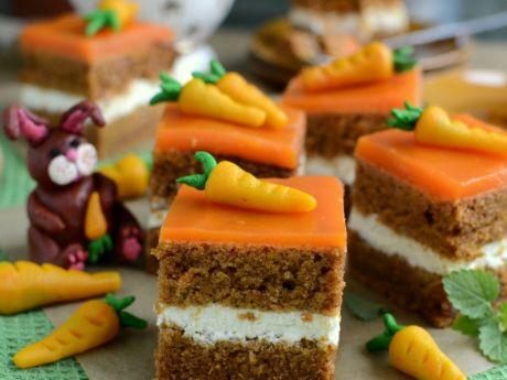 Przepis  ciasto marchewkowe z dwoma kremami przepis