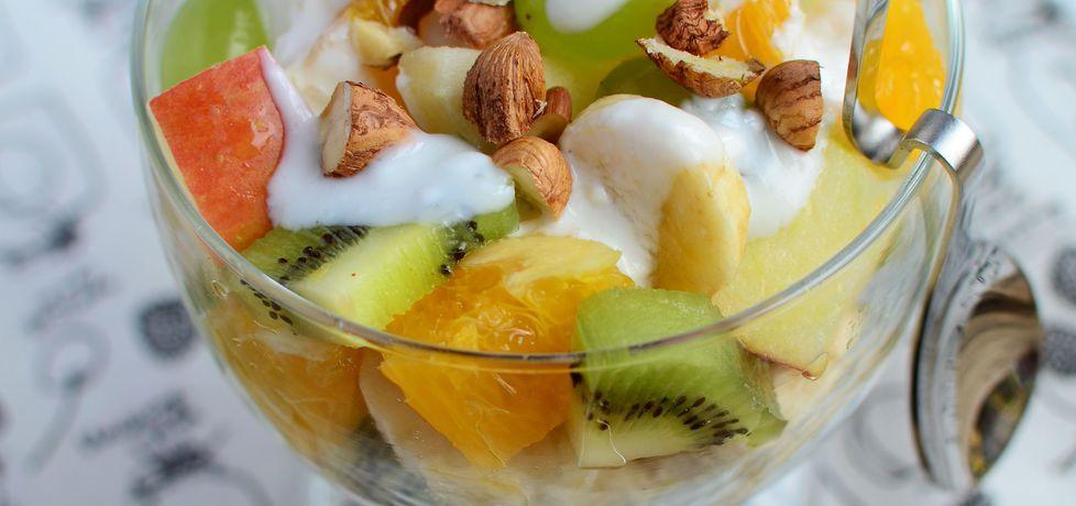Sałatka owocowa z jogurtem i orzechami (autor: ola1984 ...