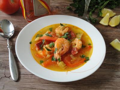 Hiszpanska zupa krewetkowa z chorizo