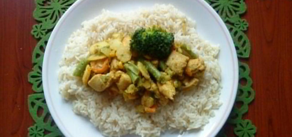 Ryż z warzywami i kurczakiem curry (autor: eli82)