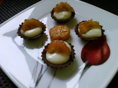 Mini babeczki z masą cytrynową i karmelizowanym bananem ...