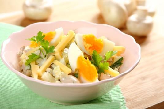 Sałatka pieczarkowa z gotowanym jajkiem i serem żółtym  video ...