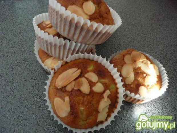 Przepis  muffiny z cukinią i migdałami przepis