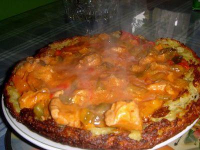 Placek ziemniaczany z sosem pomidorowo