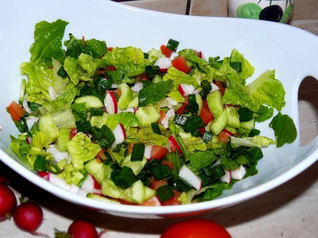 Przepis  sałata ze świeżych warzyw przepis