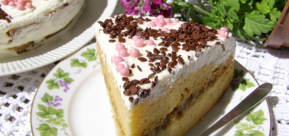 Ciasto dyniowe z pigwą i bitą śmietaną... (autor: w-mojej