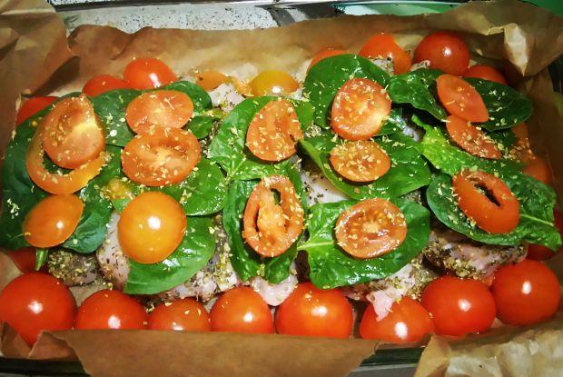 Przepis  kurczak w pomidorach i szpinaku przepis