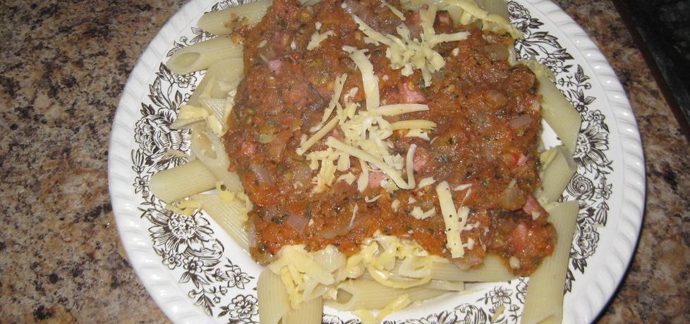 Makaron z sosem pomidorowym i kiełbasą (autor: hahanka ...