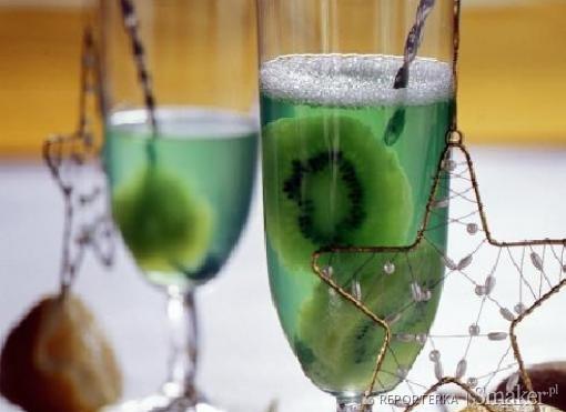 Napój herbaciany z kiwi (na zimno)