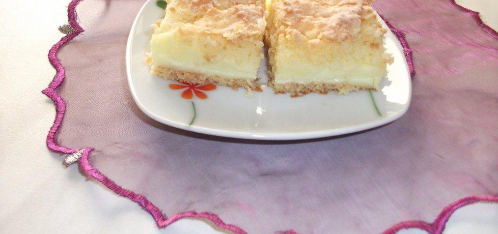 Ciasto z budyniem i pianką kokosową (autor: adelajda ...