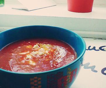 Studencka (prawie włoska) zupa pomidorowa