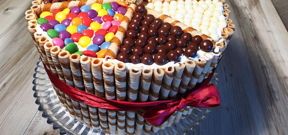 Przepiękny tort tęczowy (autor: gotujebochce)