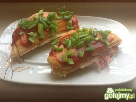 Przepis  tosty z szynką parmeńską przepis