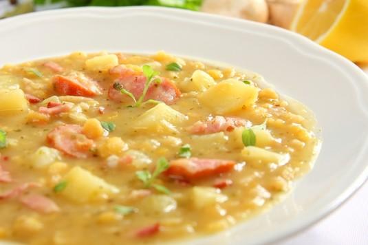 Zupa grochowo – ziemniaczana