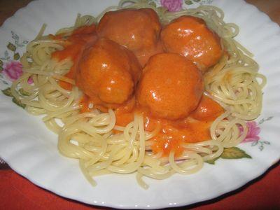 Spaghetti z pulpecikami.