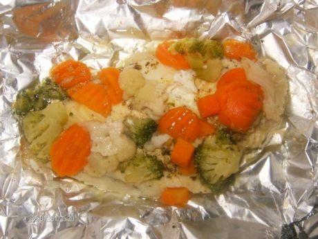 Przepis  pieczona rybka z warzywami przepis