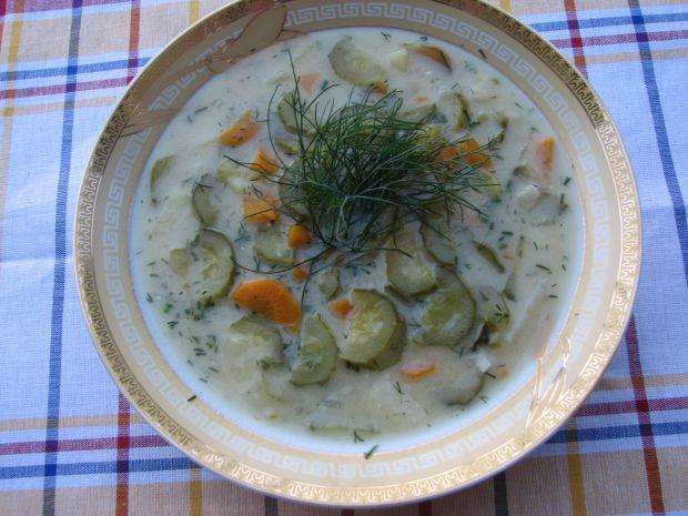 Przepis  zupa ogórkowa na żeberkach przepis