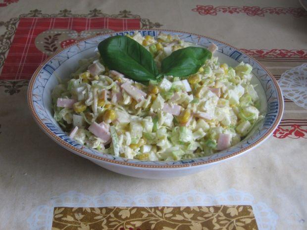 Przepis Salatka Z Ananasem Porem I Selerem Konserwowym Przepis