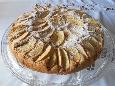 Proste ciasto cynamonowe z jabłkami