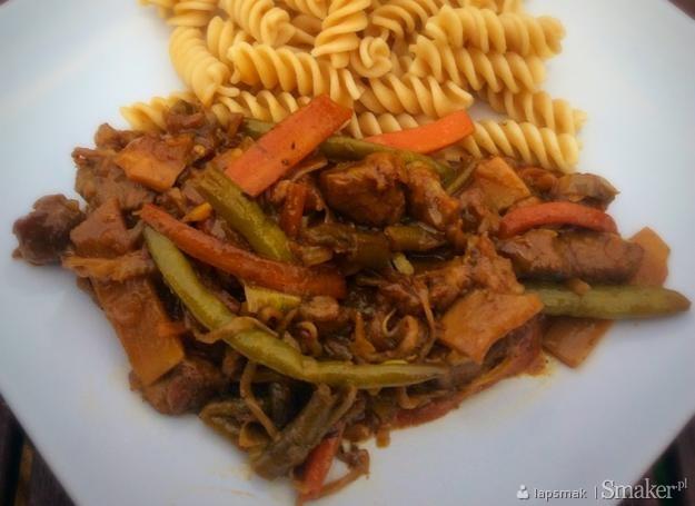 Wieprzowina z warzywami po chińsku