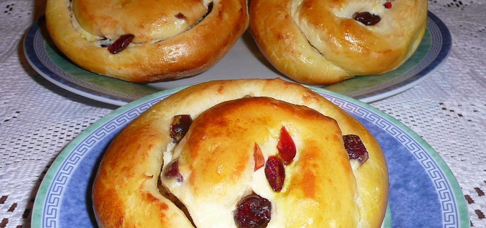 Bułeczki drożdżowe z serem i żurawną (autor: justyna92 ...